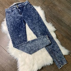 FOREVER 21 Stone Washed High Waist Skinny Jeans 27